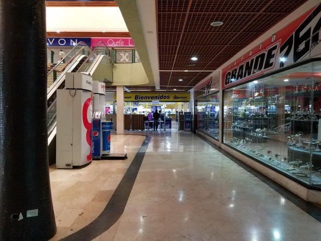 Local Comercial Zulia>Maracaibo>Fuerzas Armadas - Venta:25.000 Precio Referencial - codigo: 19-16849