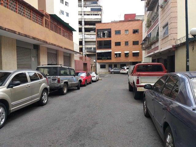 Apartamento Distrito Metropolitano>Caracas>Chacao - Venta:400.000 Precio Referencial - codigo: 19-17099