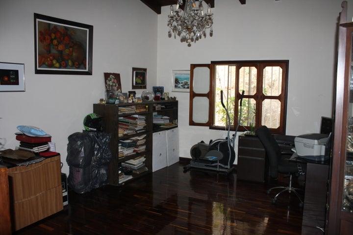 Casa Distrito Metropolitano>Caracas>Prados del Este - Venta:380.000 Precio Referencial - codigo: 19-17116