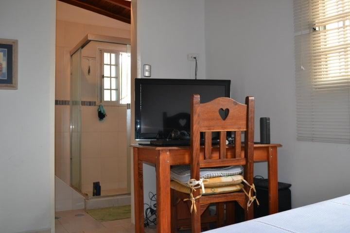 Casa Miranda>Carrizal>Llano Alto - Venta:50.000 Precio Referencial - codigo: 19-17225