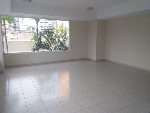 Apartamento Zulia>Maracaibo>La Lago - Venta:36.000 Precio Referencial - codigo: 19-12940