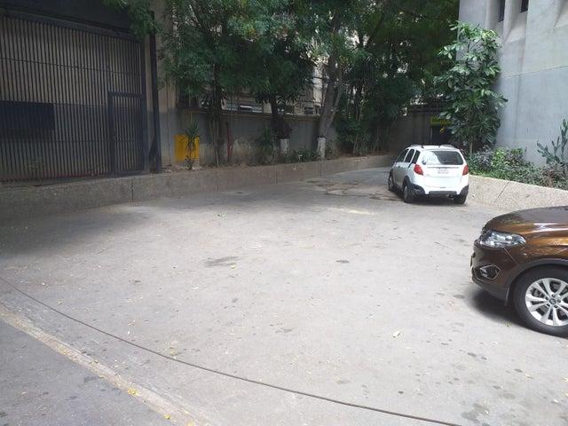 Local Comercial Distrito Metropolitano>Caracas>Chacao - Venta:105.000 Precio Referencial - codigo: 19-17556