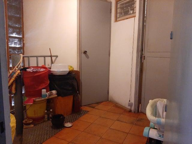 Galpon - Deposito Distrito Metropolitano>Caracas>Baruta - Alquiler:1.000 Precio Referencial - codigo: 19-17290