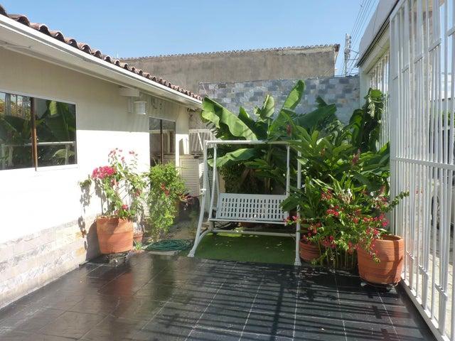 Casa Aragua>Maracay>Los Chaguaramos - Venta:70.000 Precio Referencial - codigo: 19-17365