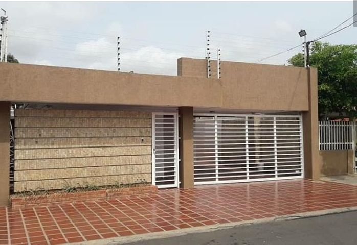 Casa Zulia>Maracaibo>18 de Octubre - Venta:23.000 Precio Referencial - codigo: 19-17396