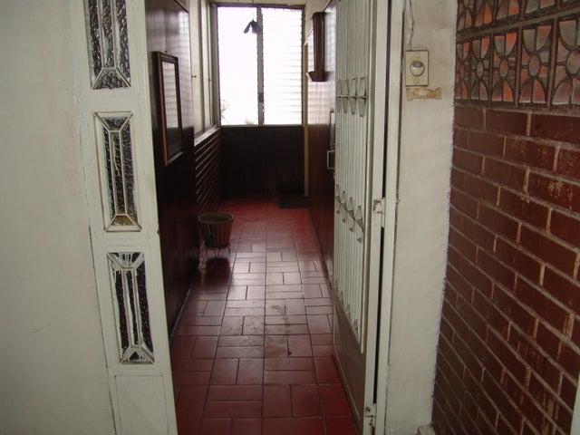 Apartamento Distrito Metropolitano>Caracas>San Martin - Venta:22.000 Precio Referencial - codigo: 19-17541