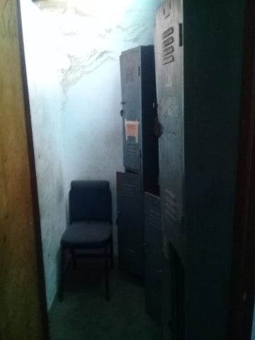 Galpon - Deposito Distrito Metropolitano>Caracas>Parroquia Santa Rosalia - Venta:120.000 Precio Referencial - codigo: 19-17543