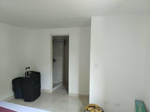Apartamento Miranda>Guarenas>La Vaquera - Venta:15.000 Precio Referencial - codigo: 19-17534