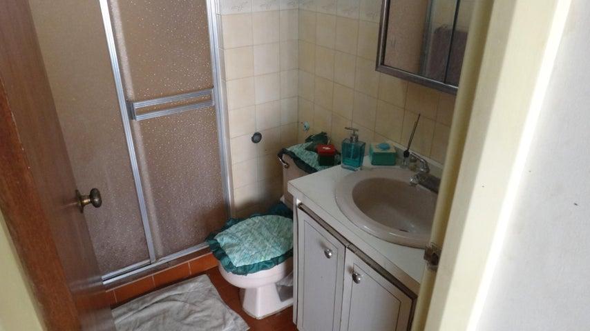 Apartamento Distrito Metropolitano>Caracas>El Paraiso - Venta:50.000 Precio Referencial - codigo: 19-17668
