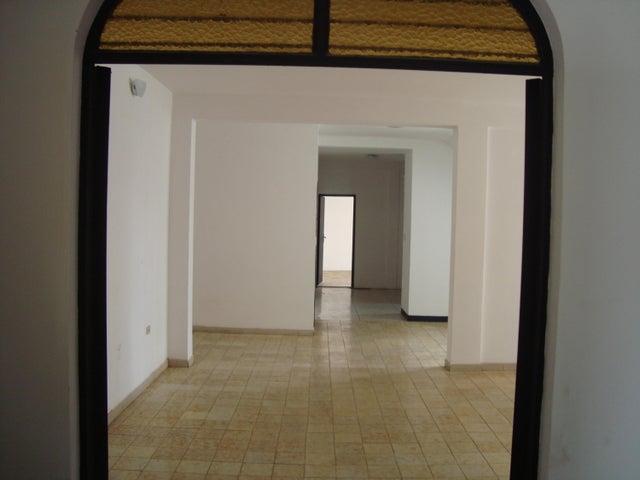 Casa Lara>Barquisimeto>Parroquia Concepcion - Alquiler:900 Precio Referencial - codigo: 19-17564
