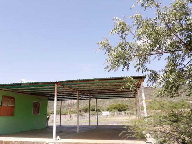 Casa Falcon>Sierra de Falcon>Caujarao - Venta:4.000 Precio Referencial - codigo: 19-17575