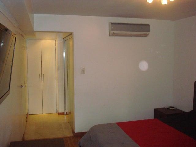 Apartamento Distrito Metropolitano>Caracas>Colinas de Bello Monte - Venta:120.000 Precio Referencial - codigo: 19-17573