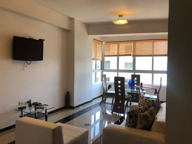 Apartamento Zulia>Maracaibo>El Milagro - Alquiler:450 Precio Referencial - codigo: 19-17591