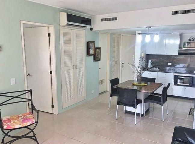 Apartamento Anzoategui>Lecheria>Av Americo Vespucio - Alquiler:350 Precio Referencial - codigo: 19-17620