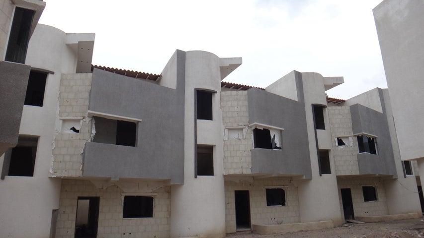 Casa Aragua>Maracay>Barrio Sucre - Venta:120.000 Precio Referencial - codigo: 19-17611