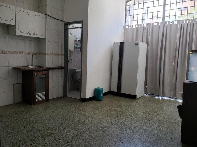Local Comercial Distrito Metropolitano>Caracas>Sabana Grande - Venta:120.000 Precio Referencial - codigo: 19-17752