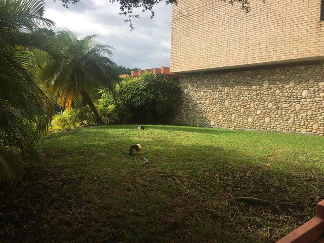 Casa Distrito Metropolitano>Caracas>Chuao - Venta:900.000 Precio Referencial - codigo: 19-17689
