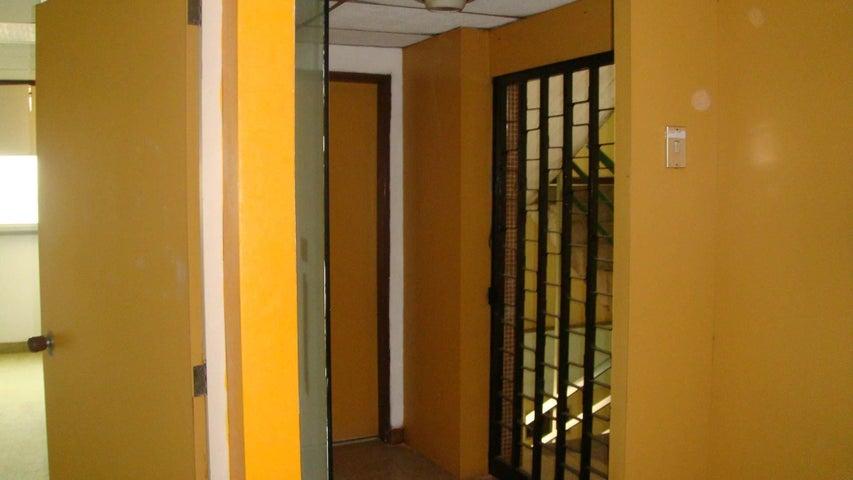 Oficina Distrito Metropolitano>Caracas>La Yaguara - Alquiler:700 Precio Referencial - codigo: 19-17746