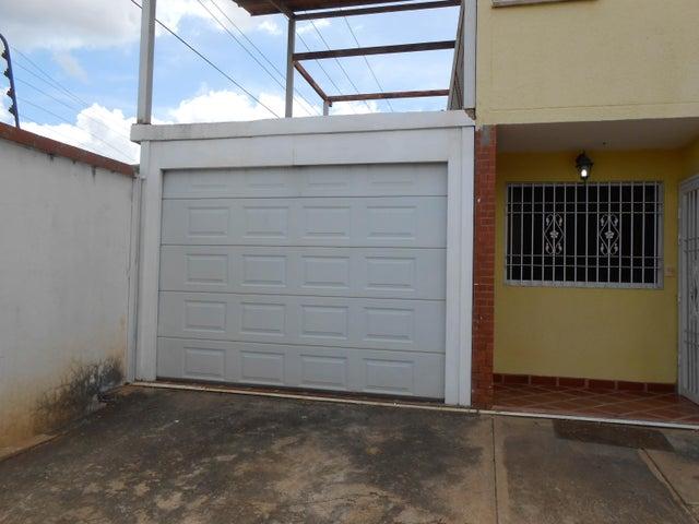 Townhouse Bolivar>Puerto Ordaz>Villa Betania - Venta:35.000 Precio Referencial - codigo: 19-17749