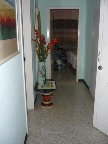 Apartamento Distrito Metropolitano>Caracas>El Bosque - Venta:90.000 Precio Referencial - codigo: 19-17754
