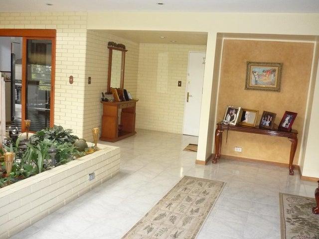 Apartamento Distrito Metropolitano>Caracas>El Peñon - Alquiler:800 Precio Referencial - codigo: 19-17758