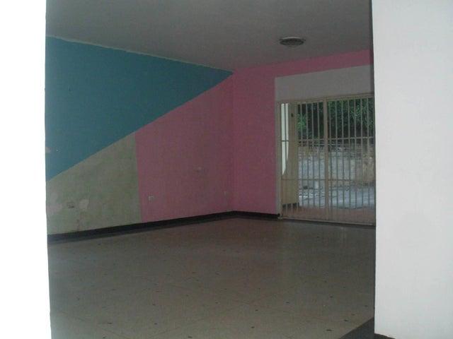 Casa Aragua>Maracay>La Floresta - Venta:90.000 Precio Referencial - codigo: 19-17864