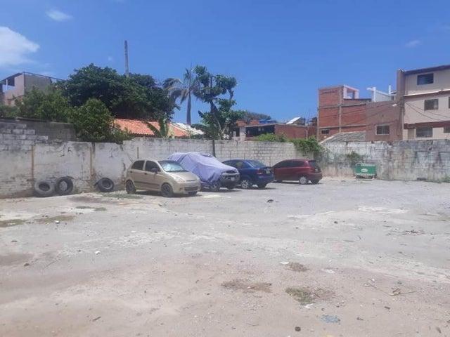Terreno Vargas>Parroquia Naiguata>Camuri Grande - Alquiler:200 Precio Referencial - codigo: 19-17883
