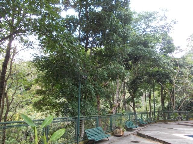 Apartamento Distrito Metropolitano>Caracas>La Boyera - Venta:42.000 Precio Referencial - codigo: 19-18036