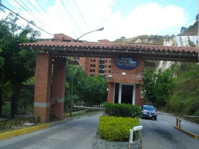 Apartamento Distrito Metropolitano>Caracas>Colinas de La Tahona - Venta:85.000 Precio Referencial - codigo: 19-18155