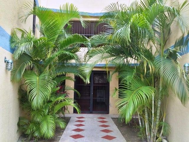 Apartamento Carabobo>Municipio Los Guayos>Paraparal - Venta:6.700 Precio Referencial - codigo: 19-18154