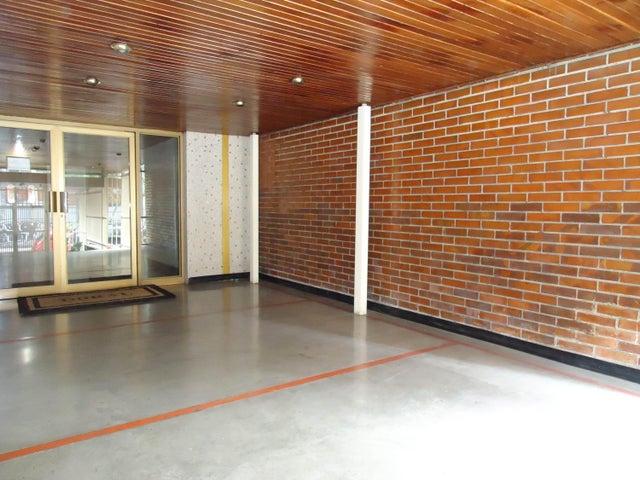 Apartamento Distrito Metropolitano>Caracas>Los Palos Grandes - Alquiler:1.400 Precio Referencial - codigo: 19-18205