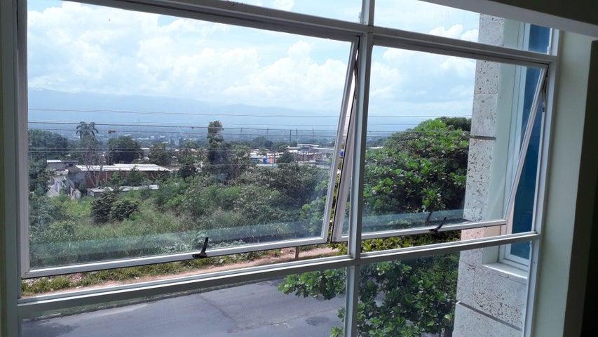 Local Comercial Yaracuy>San Felipe>Independencia - Venta:19.350 Precio Referencial - codigo: 19-18308