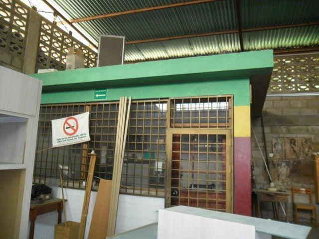 Galpon - Deposito Zulia>Maracaibo>La Victoria - Venta:50.000 Precio Referencial - codigo: 19-18655
