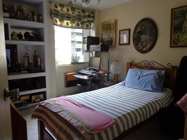 Apartamento Distrito Metropolitano>Caracas>La California Norte - Venta:43.000 Precio Referencial - codigo: 19-19463