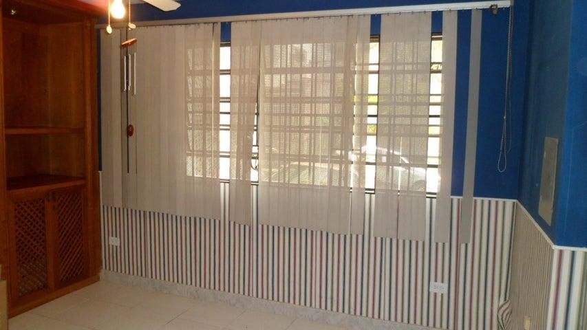 Anexo Distrito Metropolitano>Caracas>Colinas de Bello Monte - Alquiler:300 Precio Referencial - codigo: 19-18887