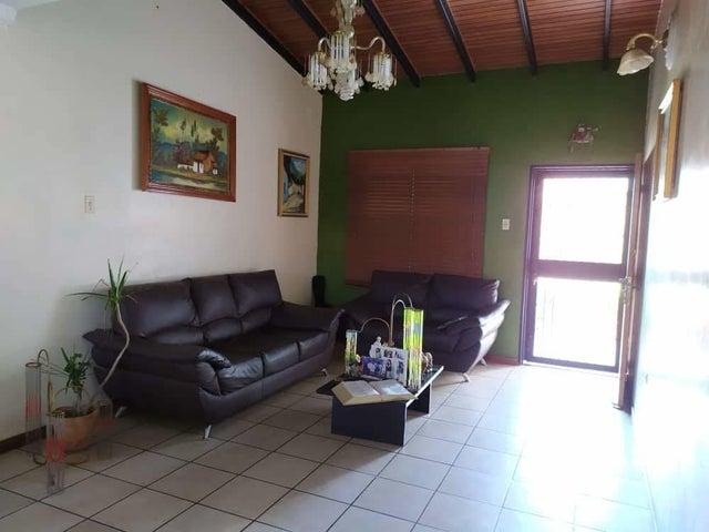 Casa Lara>Cabudare>Parroquia Jose Gregorio - Venta:25.000 Precio Referencial - codigo: 19-18923