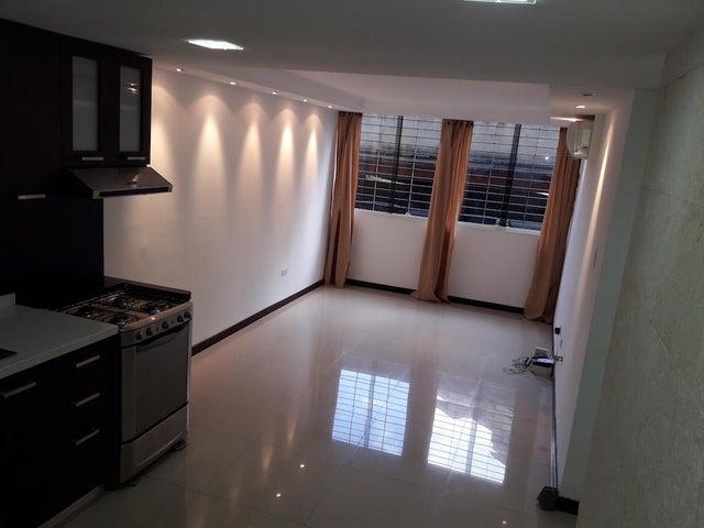 Apartamento Distrito Metropolitano>Caracas>Los Naranjos Humboldt - Venta:35.000 Precio Referencial - codigo: 19-19190