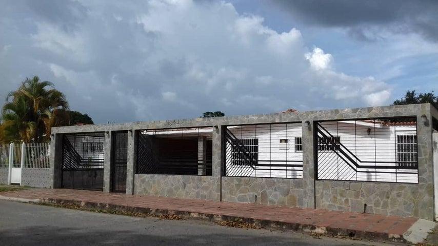 Casa Carabobo>Municipio Libertador>El Molino - Venta:20.000 Precio Referencial - codigo: 19-19252