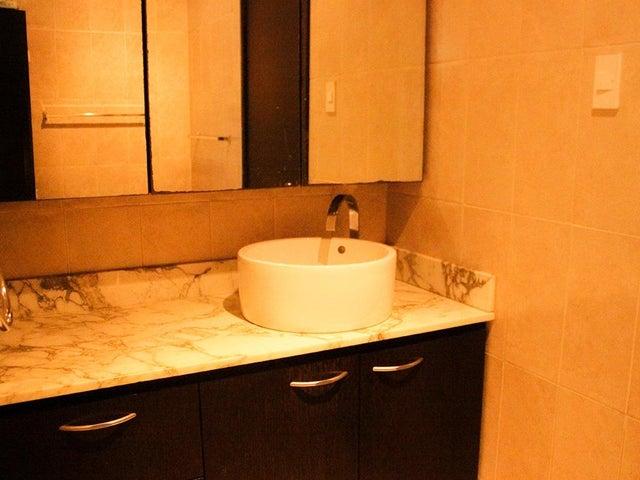 Apartamento Zulia>Maracaibo>La Lago - Venta:55.000 Precio Referencial - codigo: 19-19390