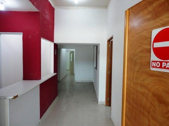 Local Comercial Distrito Metropolitano>Caracas>Los Dos Caminos - Alquiler:900 Precio Referencial - codigo: 19-19362