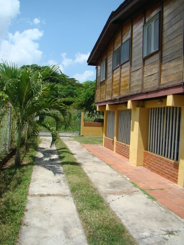 Casa Miranda>Rio Chico>Las Mercedes de Paparo - Venta:15.000 Precio Referencial - codigo: 19-19373