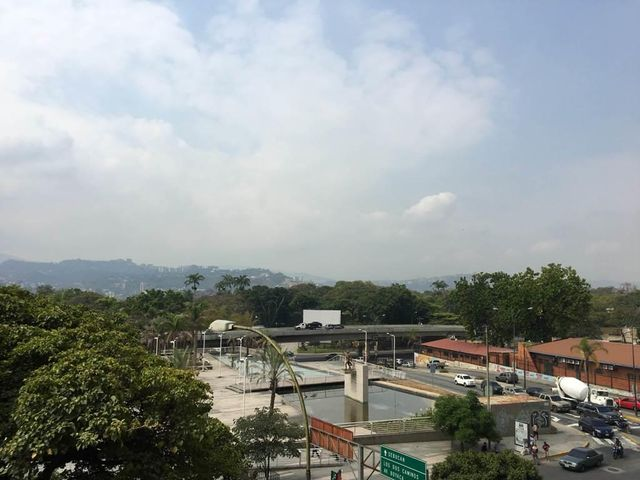 Oficina Distrito Metropolitano>Caracas>Los Dos Caminos - Venta:110.000 Precio Referencial - codigo: 19-19358