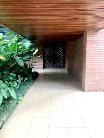 Apartamento Distrito Metropolitano>Caracas>Los Naranjos del Cafetal - Venta:120.000 Precio Referencial - codigo: 19-19355