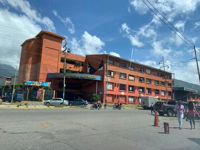 Consultorio Medico  Miranda>Guatire>El Castillejo - Venta:39.000 Precio Referencial - codigo: 19-19356