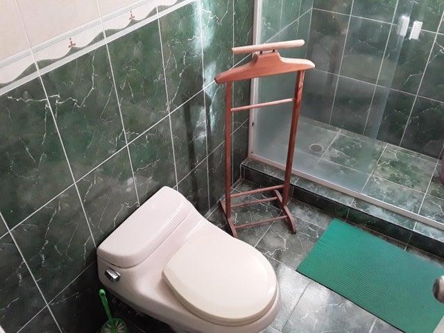 Apartamento Aragua>Maracay>Andres Bello - Venta:45.000 Precio Referencial - codigo: 19-19366