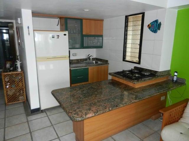 Apartamento Vargas>Catia La Mar>Playa Grande - Venta:35.000 Precio Referencial - codigo: 19-19374