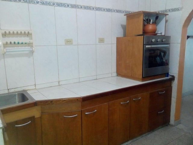 Casa Distrito Metropolitano>Caracas>Mariperez - Venta:40.000 Precio Referencial - codigo: 19-19432