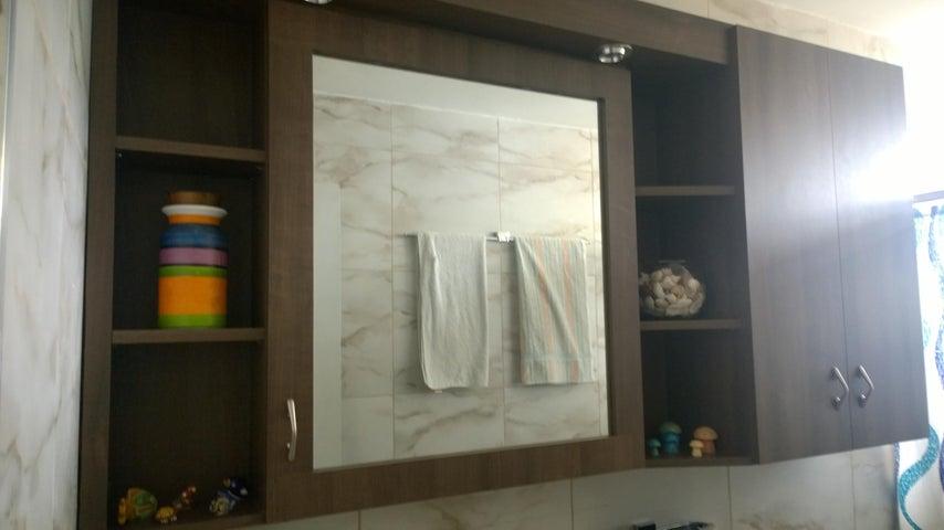 Apartamento Distrito Metropolitano>Caracas>El Marques - Venta:130.000 Precio Referencial - codigo: 19-19460