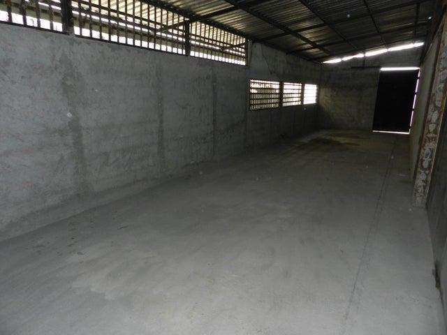 Galpon - Deposito Miranda>Guatire>Guatire - Venta:350.000 Precio Referencial - codigo: 18-8461