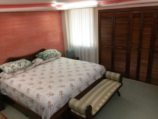 Apartamento Distrito Metropolitano>Caracas>Colinas de Bello Monte - Venta:130.000 Precio Referencial - codigo: 19-19466
